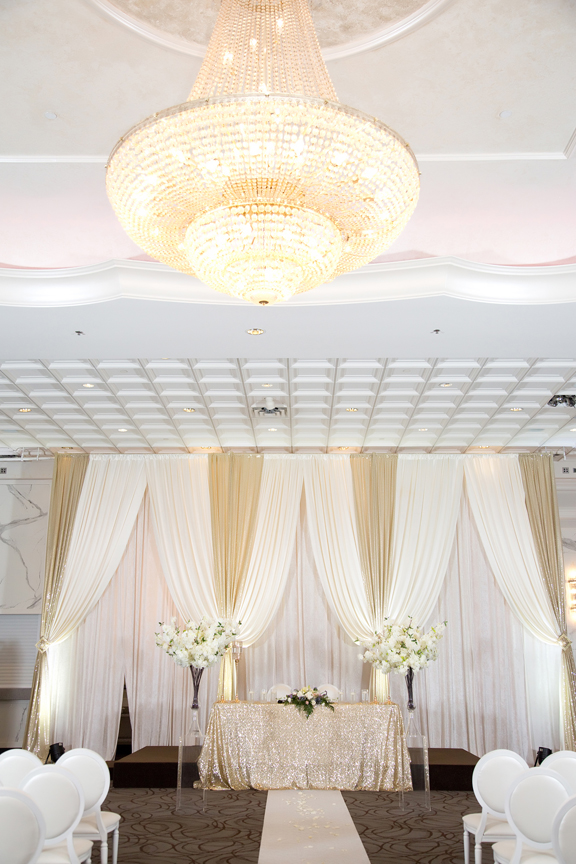 decor wedding ceremony at Mississauga Convention Centre