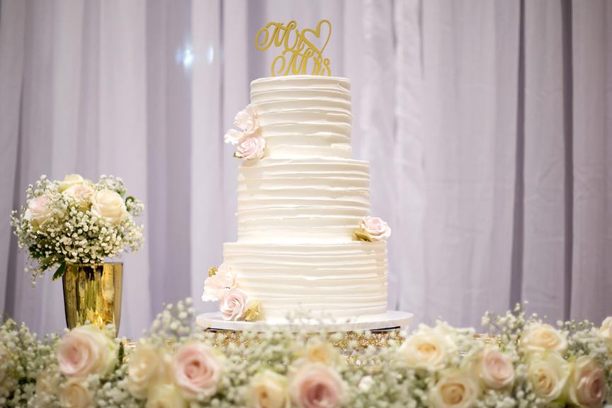 Wedding cake at Paradise Banquet Hall
