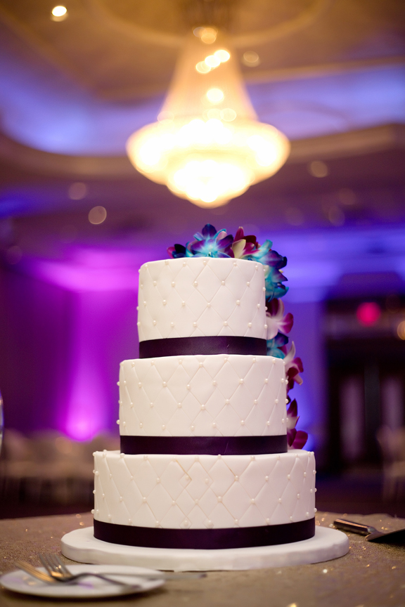 cake wedding reception at Mississauga Convention Centre