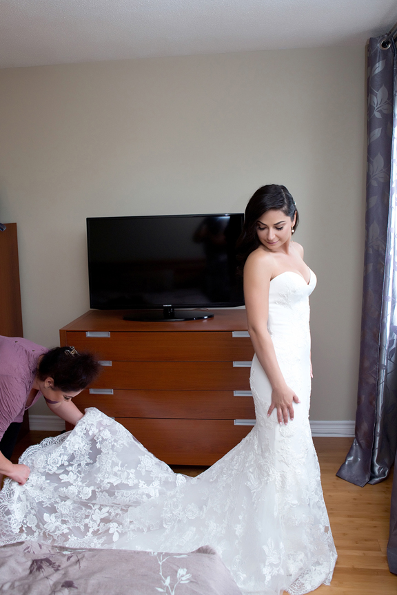 bride prep getting dressed