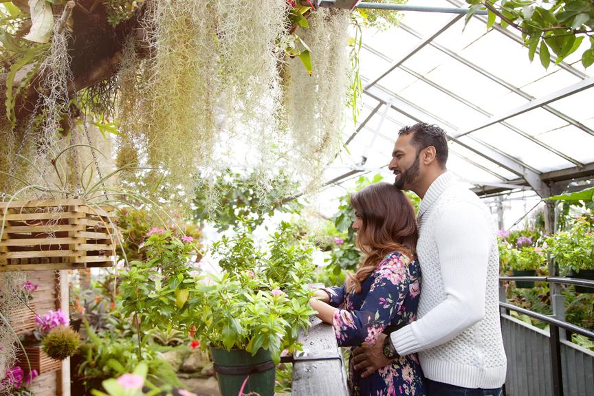 engagement portrait at allan gardens