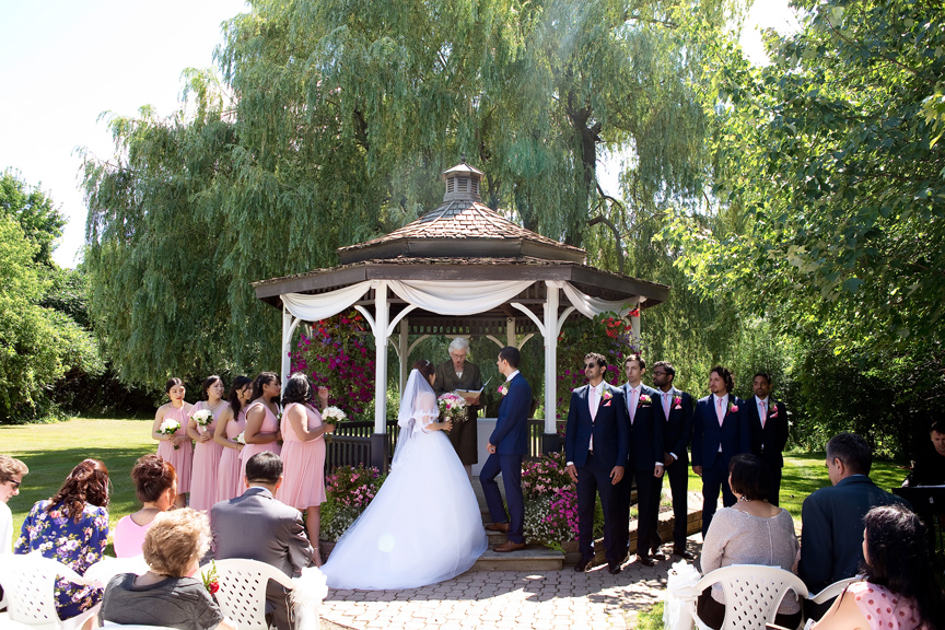 wedding ceremony at Carl Catering The Glen