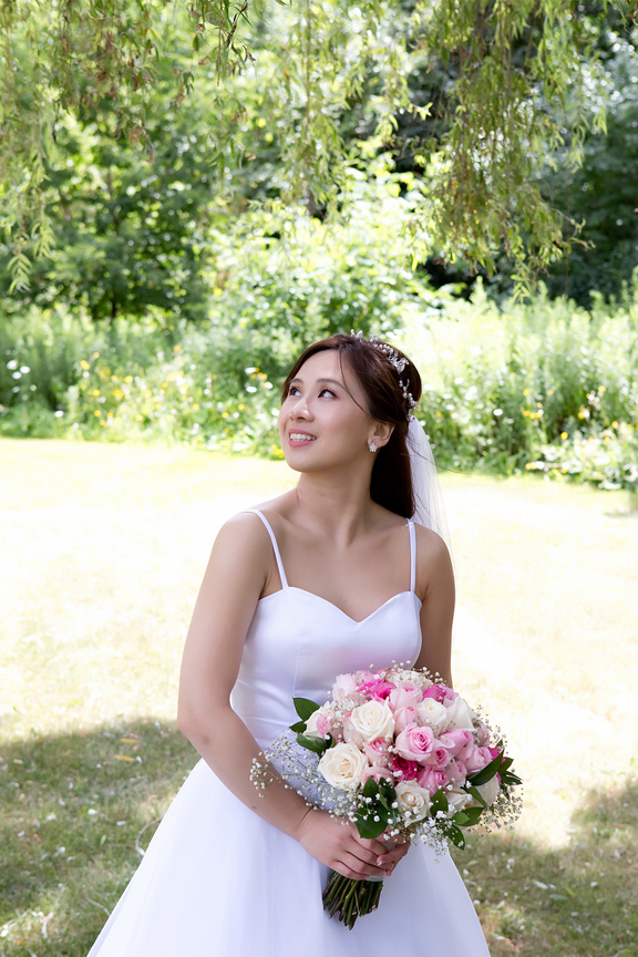 bride portrait at Carl Catering The Glen
