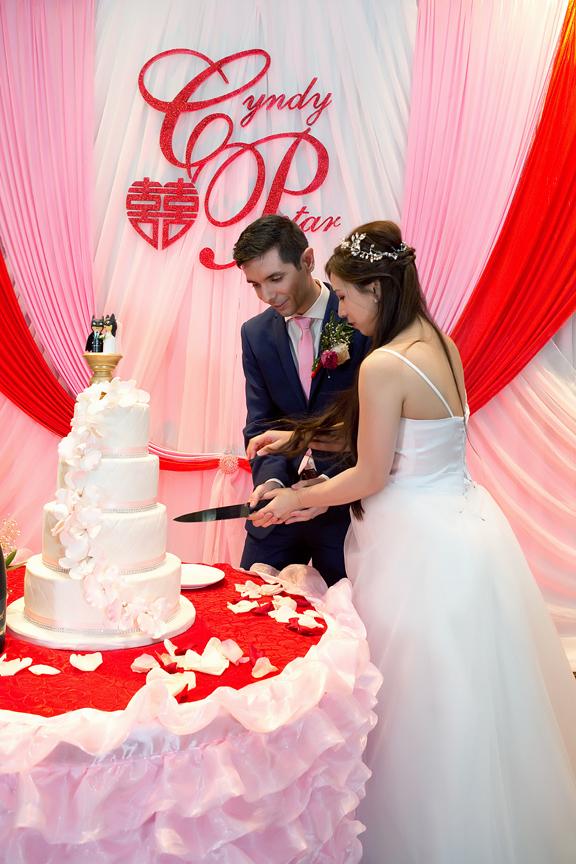 wedding cake at Blue Lagoon Seafood Master