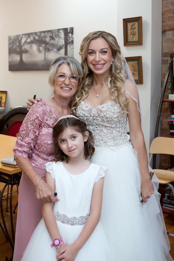 bride prep mom and flower girl