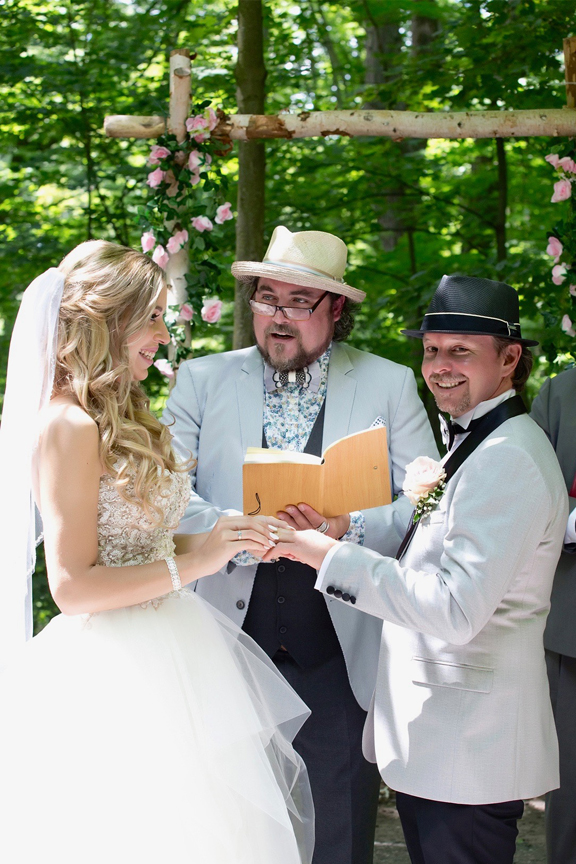 wedding ring exchange at Kortright Centre for Conservation