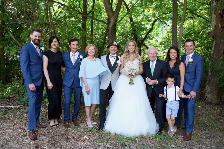 groom's family at Kortright Centre for Conservation