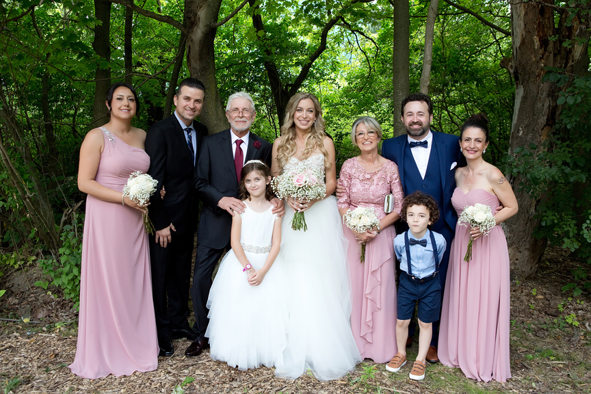 bride's family at Kortright Centre for Conservation