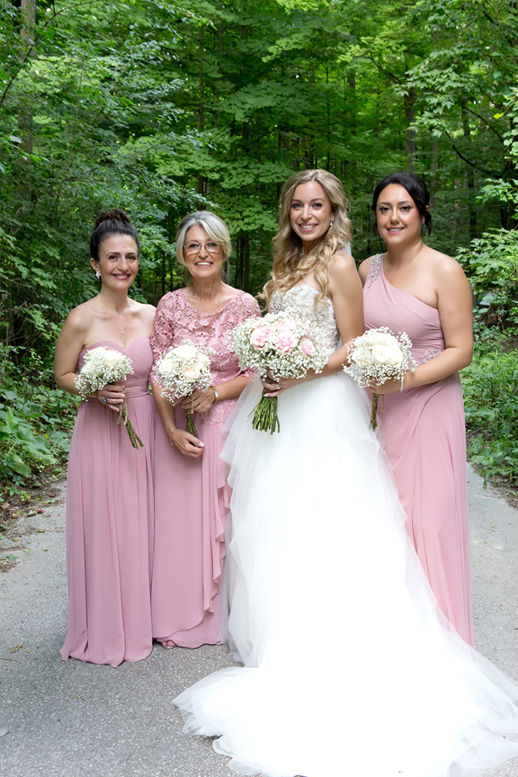 bridesmaids at Kortright Centre for Conservation