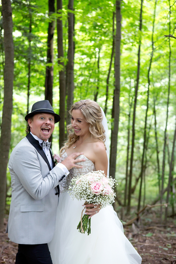 bride and groom portrait at Kortright Centre for Conservation