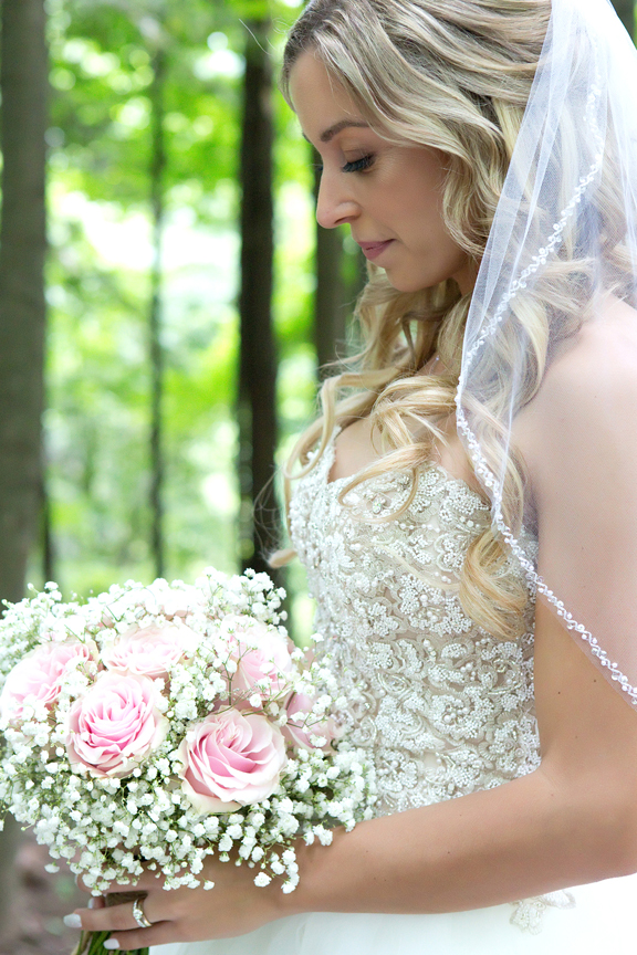 bride portrait at Kortright Centre for Conservation