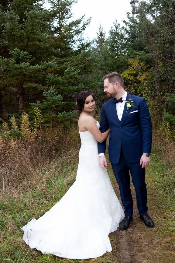 wedding couple portrait at Claireville Park