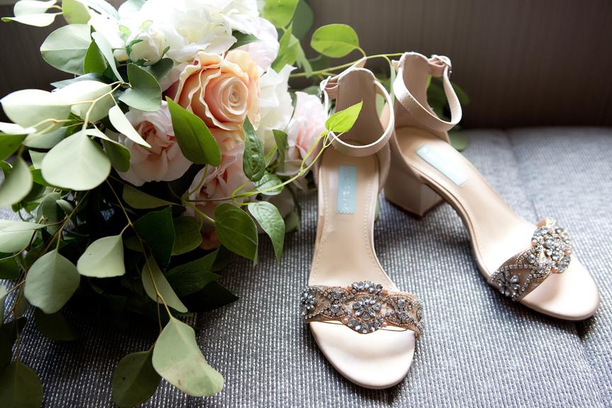 bride prep bouquet