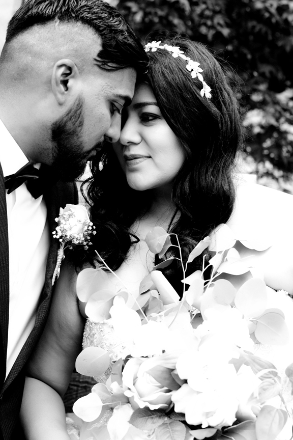 wedding couple portrait at St Stephens Anglican Church