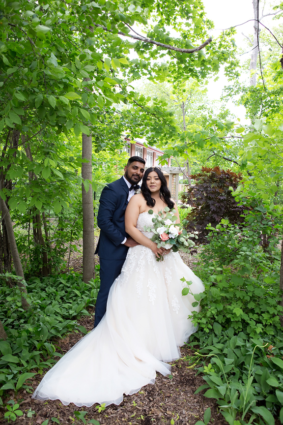 wedding couple at St Stephens Anglican Church