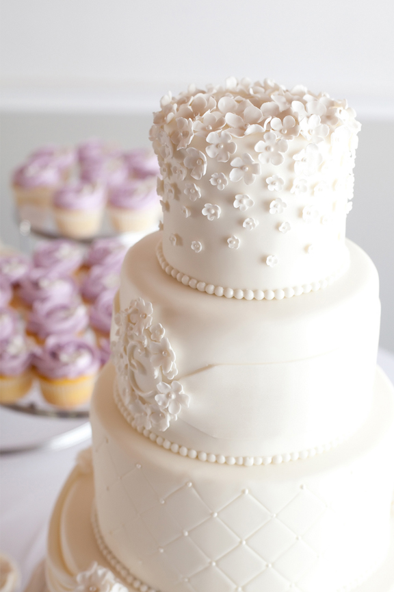 wedding reception decor cake