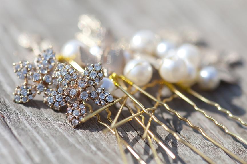 bride prep hair pins