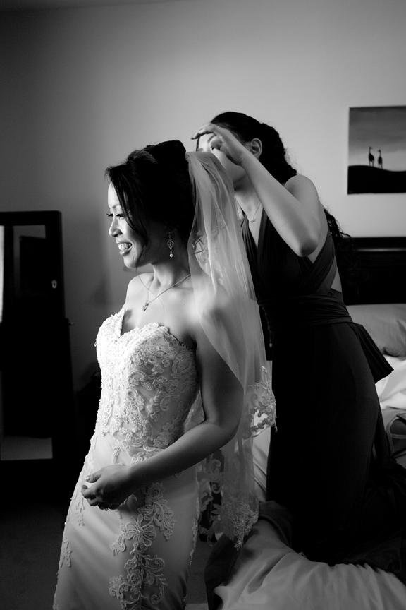 bride prep wedding veil