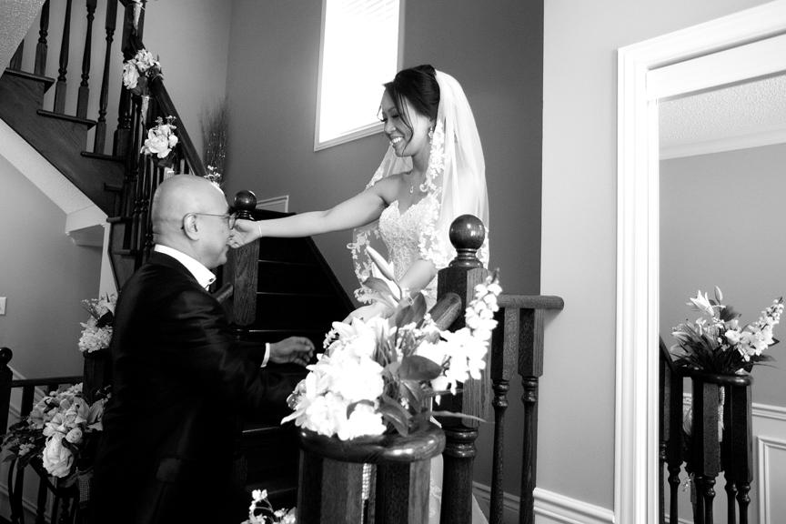 bride prep wedding with dad