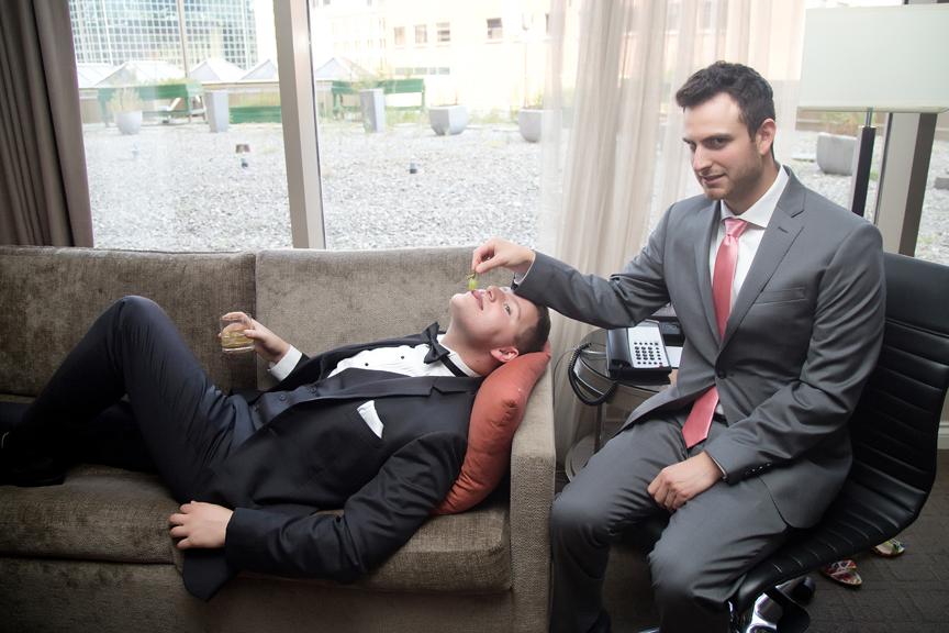 groom prep with best man