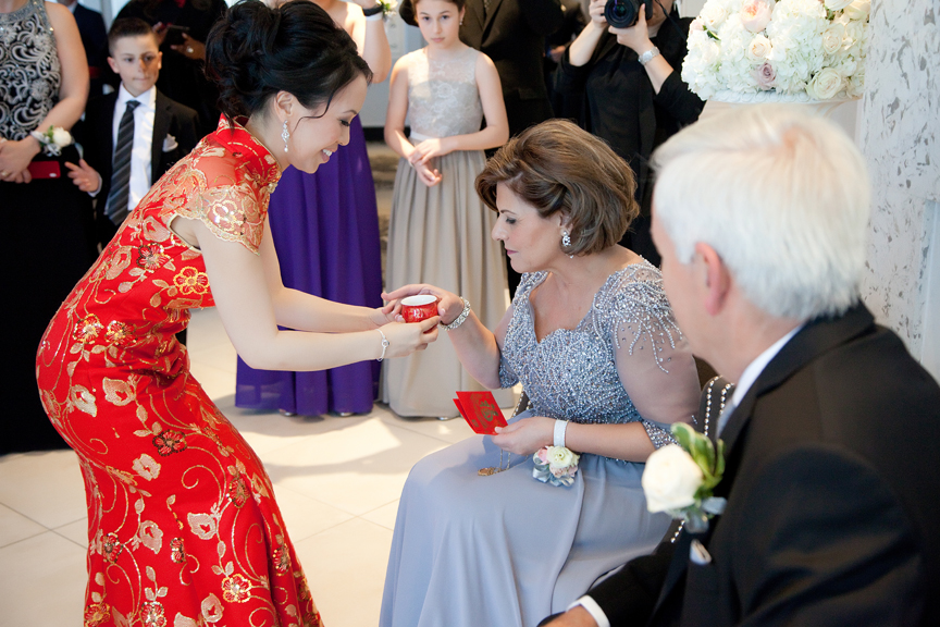 Chinese tea ceremony at Crystal Fountain
