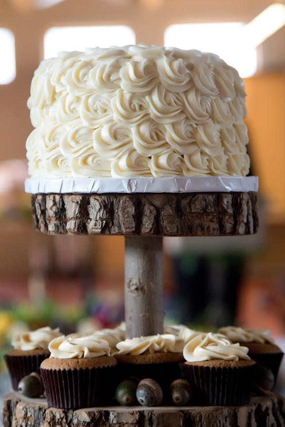 rustic cake decor wedding reception