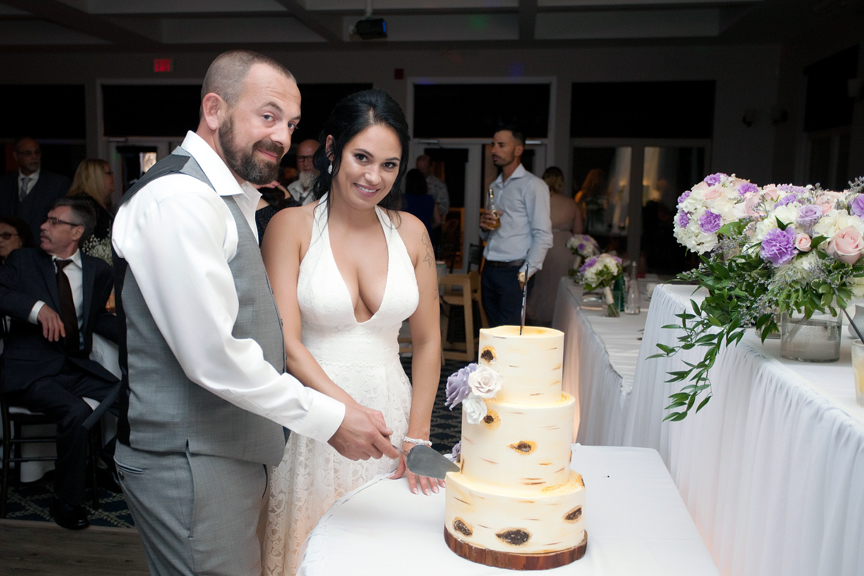wedding reception cake cutting