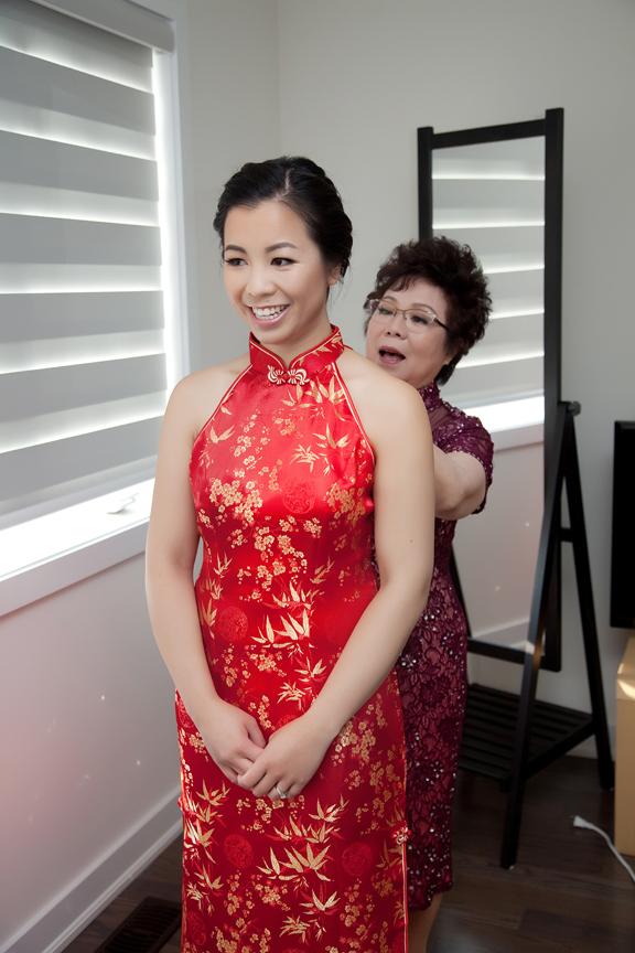bride prep portrait Chinese wedding