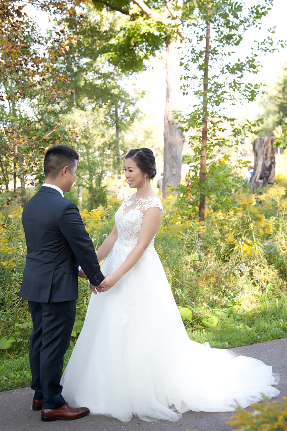 wedding couple's first look at Ascott Parc.