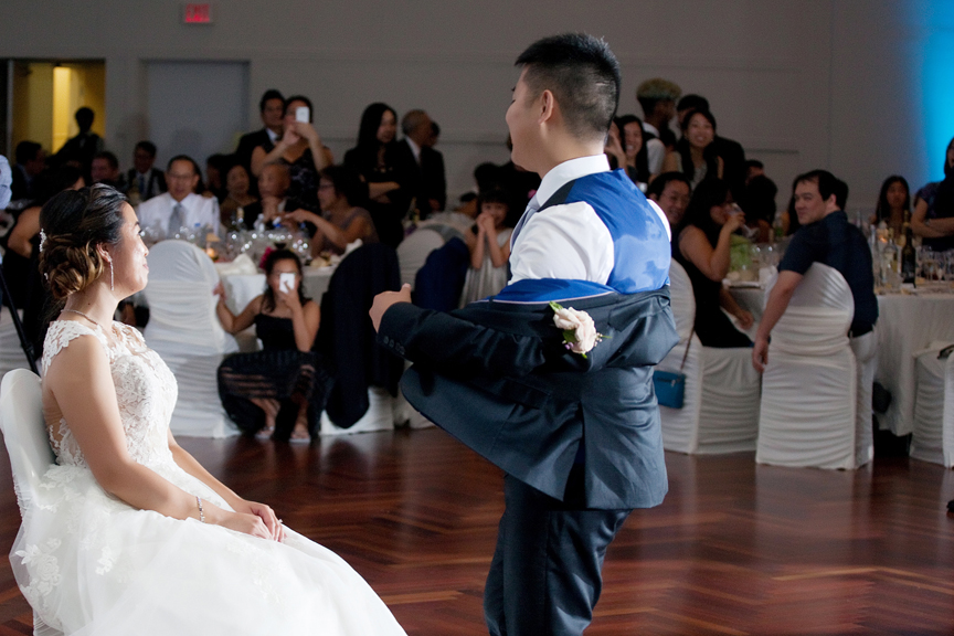 kissing games Chinese wedding reception at Ascott Parc