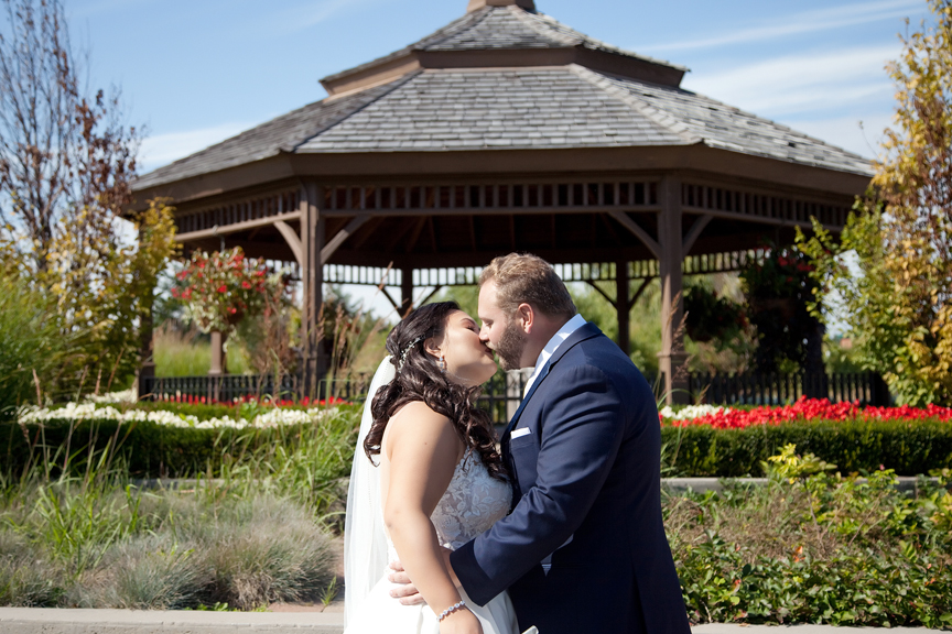 romantic wedding portrait at Richmond Green