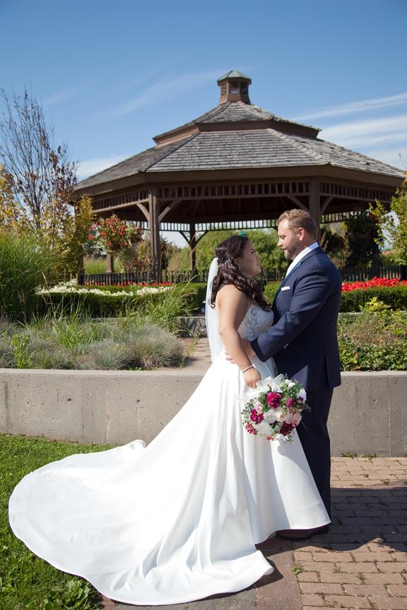wedding portrait at Richmond Green