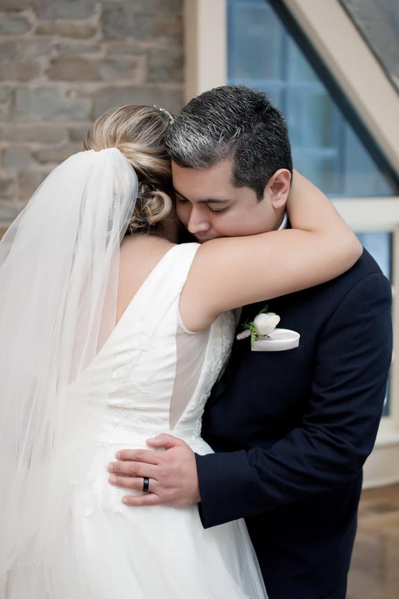 couple's first dance wedding reception