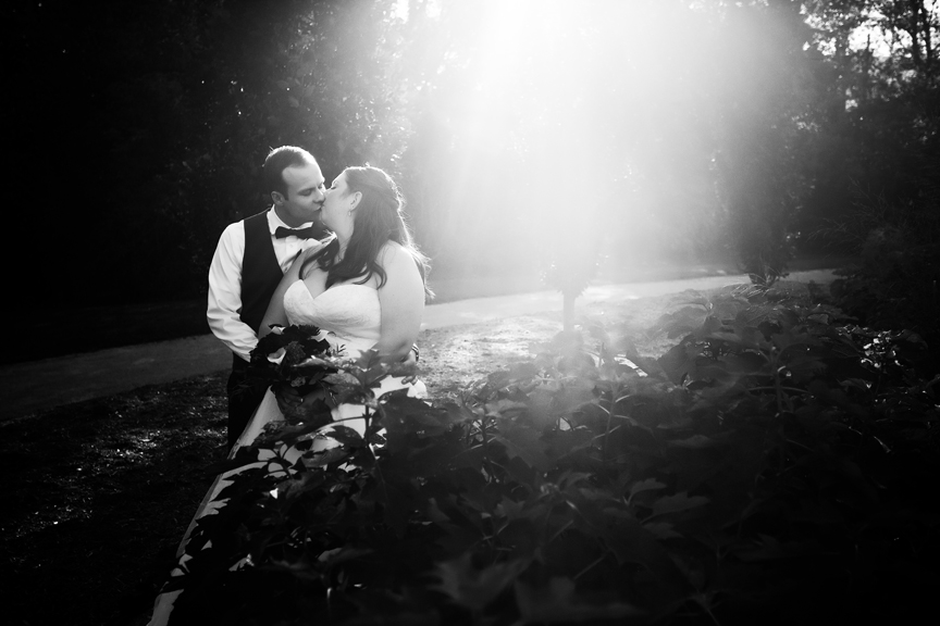 bride and groom wedding portrait at Oshawa Valley Botanical Gardens