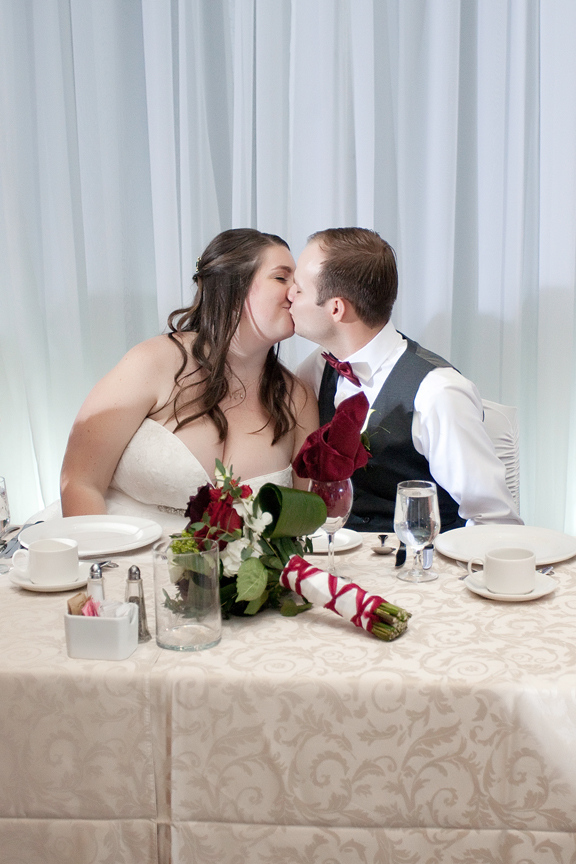 kissing game wedding reception at Ajax Convention Centre