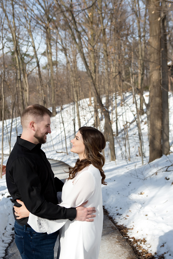 winter wedding portrait romantic