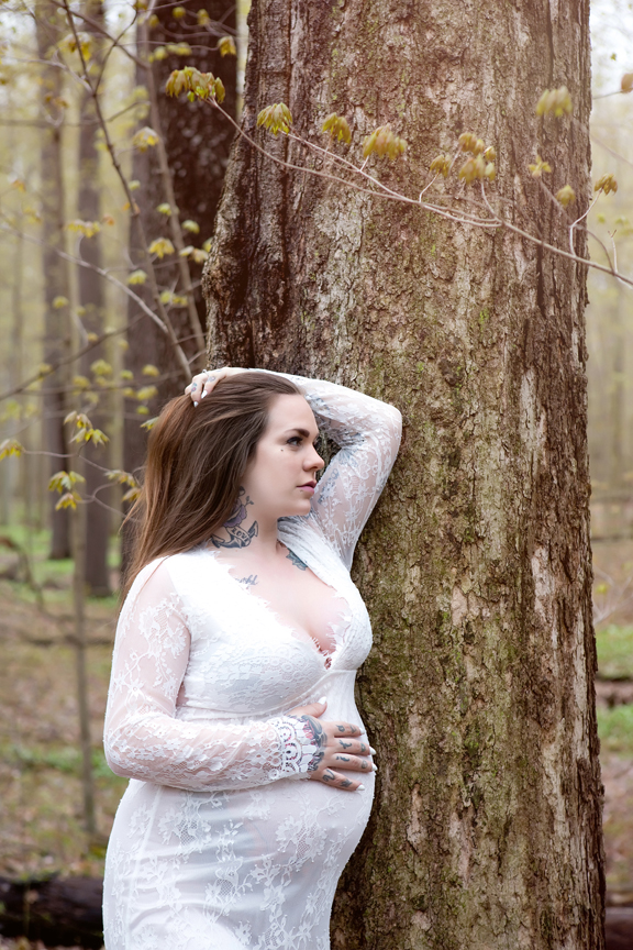 Maternity Photos at Steckle Woods