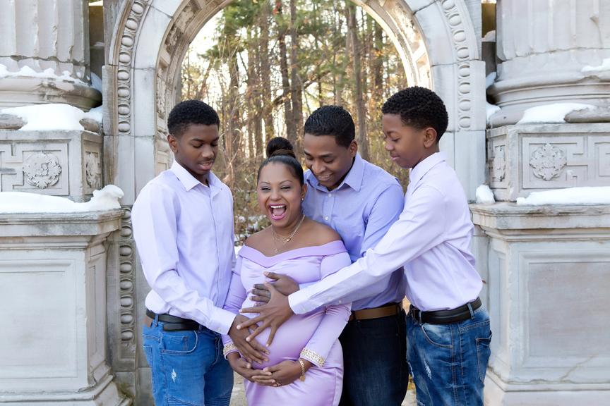 Maternity Photos at Guild Inn Gardens