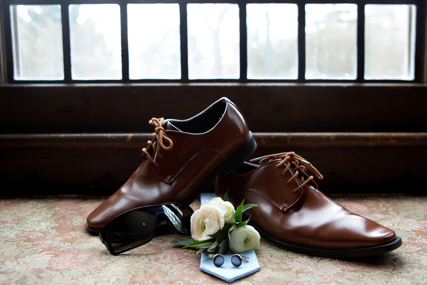 groom prep wedding shoes