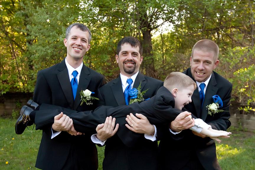 wedding portrait groomsmen