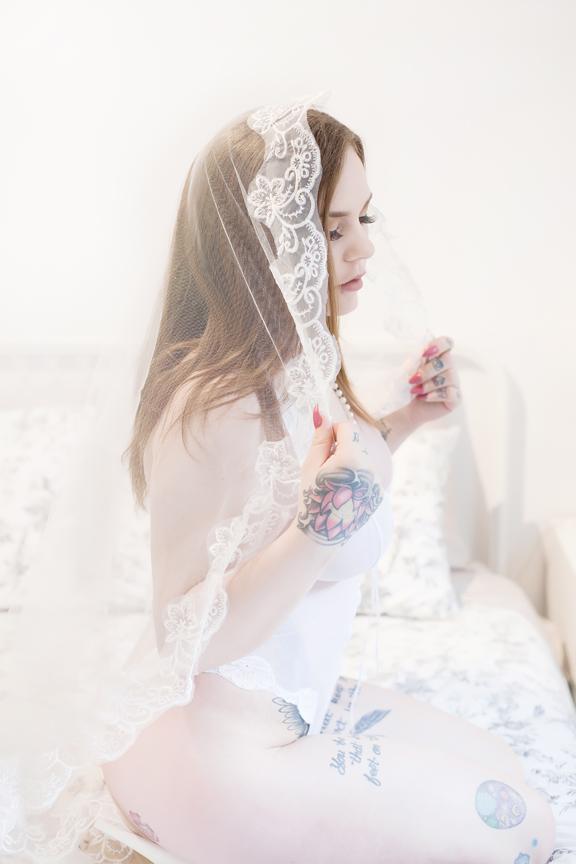 bridal boudoir session