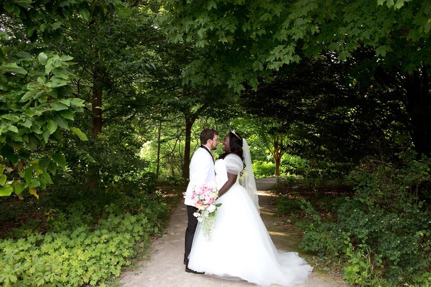 Wedding portrait Royal Botanical Gardens