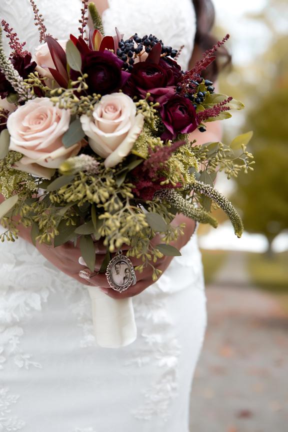 Fall wedding portrait bouquet