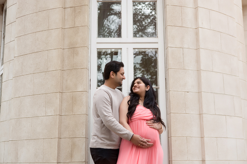 Maternity Photos at Dundurn Castle