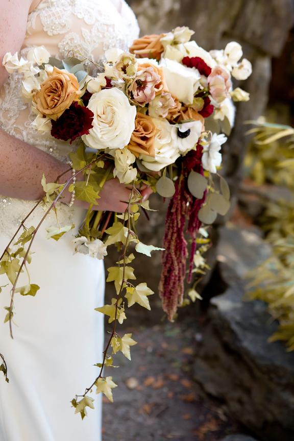 bouquet Wedding portrait at the Royal Botanical Gardens