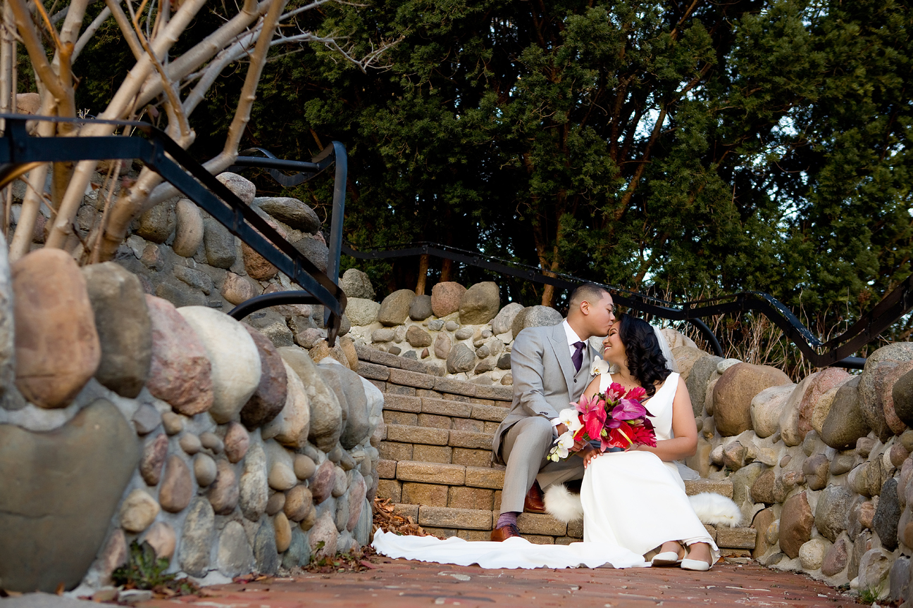 Couple wedding portrait at Miller Lash House Estate