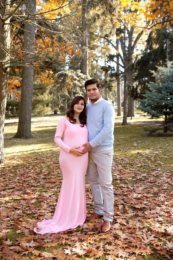 Maternity Photos at Rosetta McClain Gardens